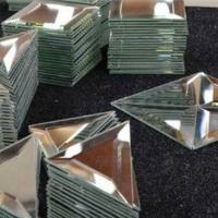 Зеркальные панно, плитка для декорирования стен и потолков